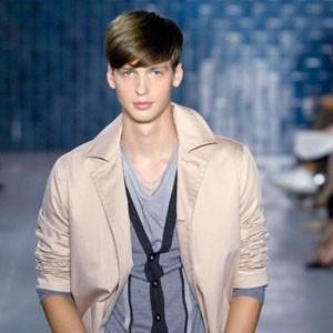 帅气阳光 流行发型 男生复古英伦风发型图片